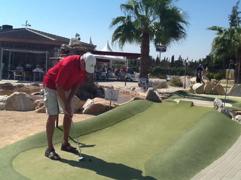 Golf Delux is Continental Europe´s biggest artificial grass adventure golf course Los Alcazares